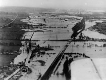 Oxford in the great Thames flood of March 1947