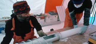Ice coring in the Antarctic